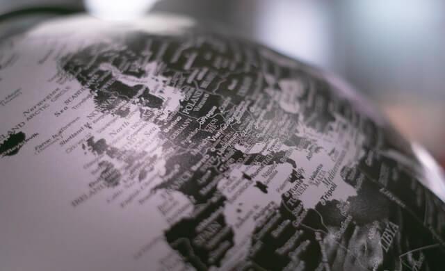 Danmark kæmper om ordrerne mod resten af verden